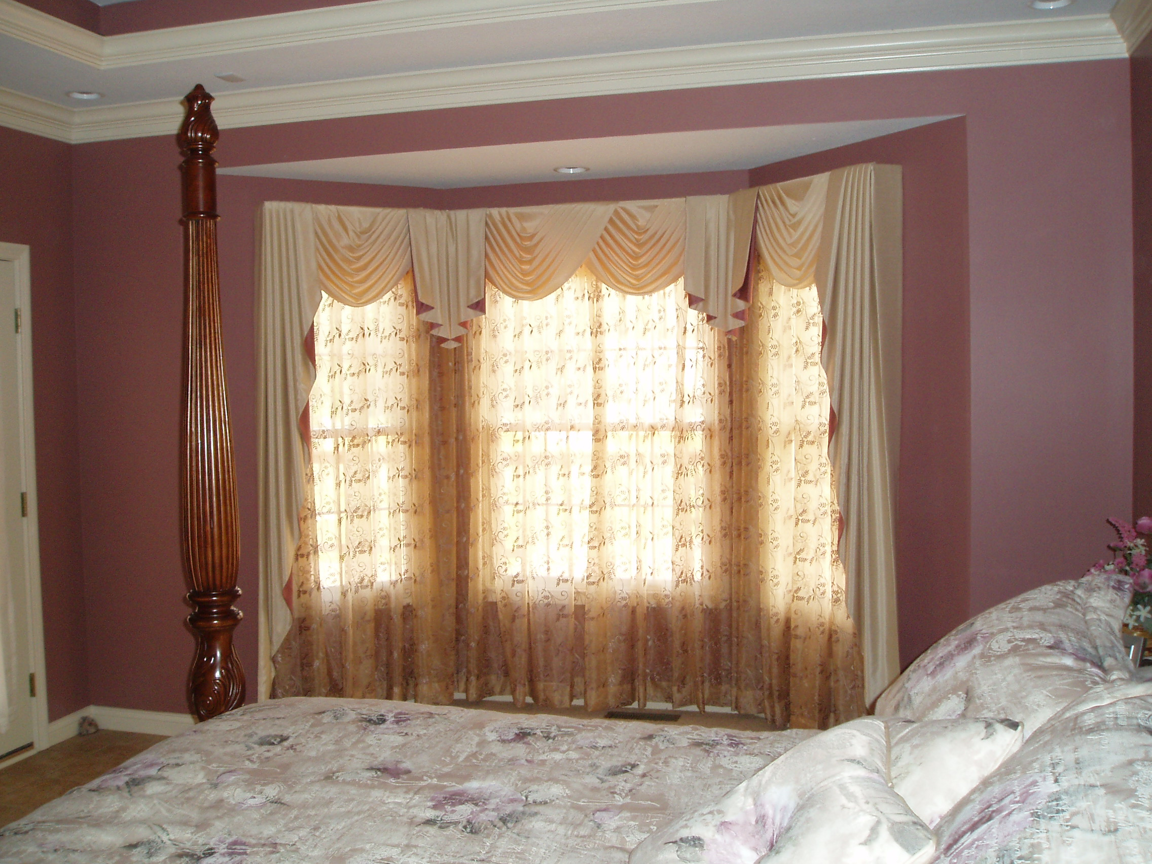 Bow window treatment ideas pictures window treatments design ideas Window coverings for bedrooms