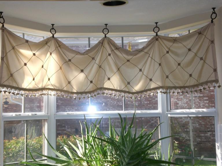 Bow Window Treatments Photos