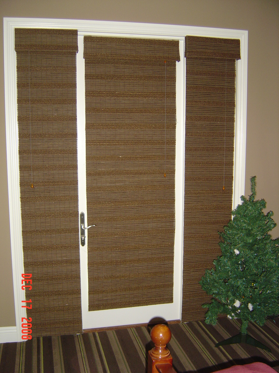 Sidelight window treatments ideas window treatments for Door window shades blinds