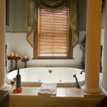 Small Curtain for Bathroom Window