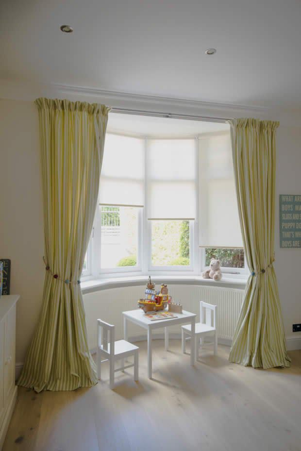 Bay window with blinds and curtains window treatments for 2016 window design