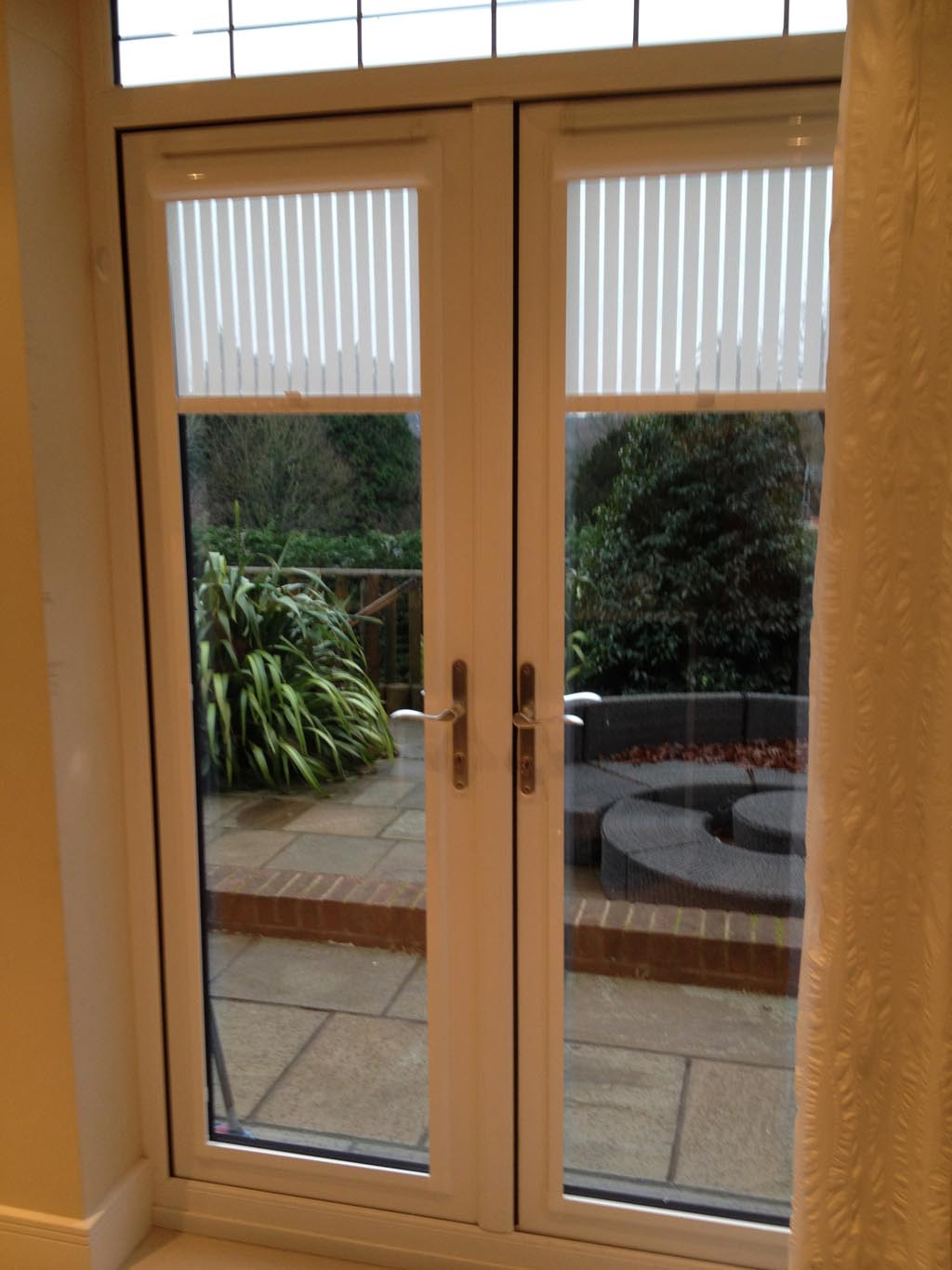 Magnetic Window Blinds for Metal Doors