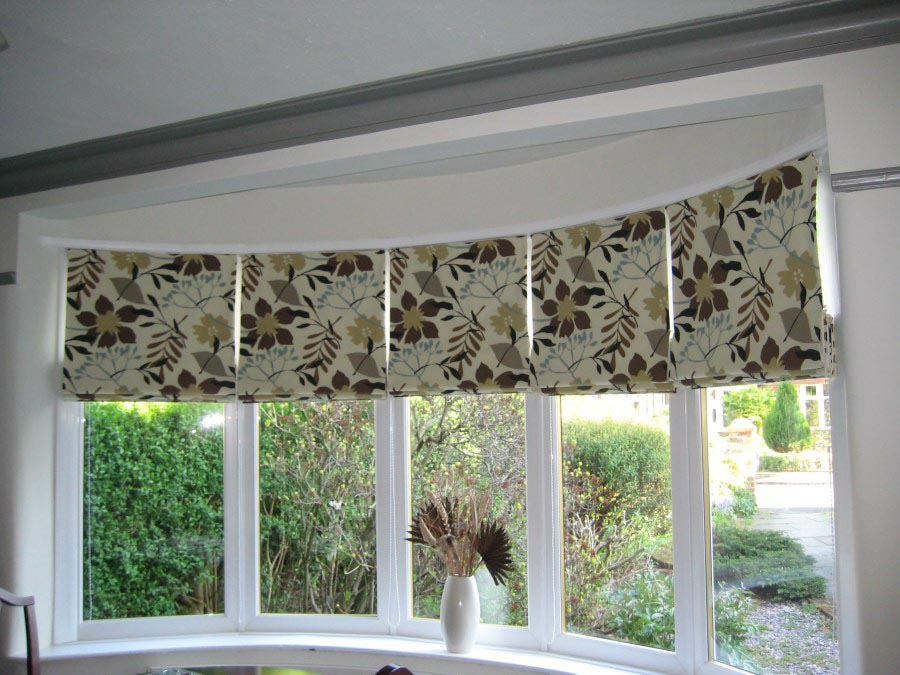 Roman blind bay window window treatments design ideas for Roman shades for bay windows