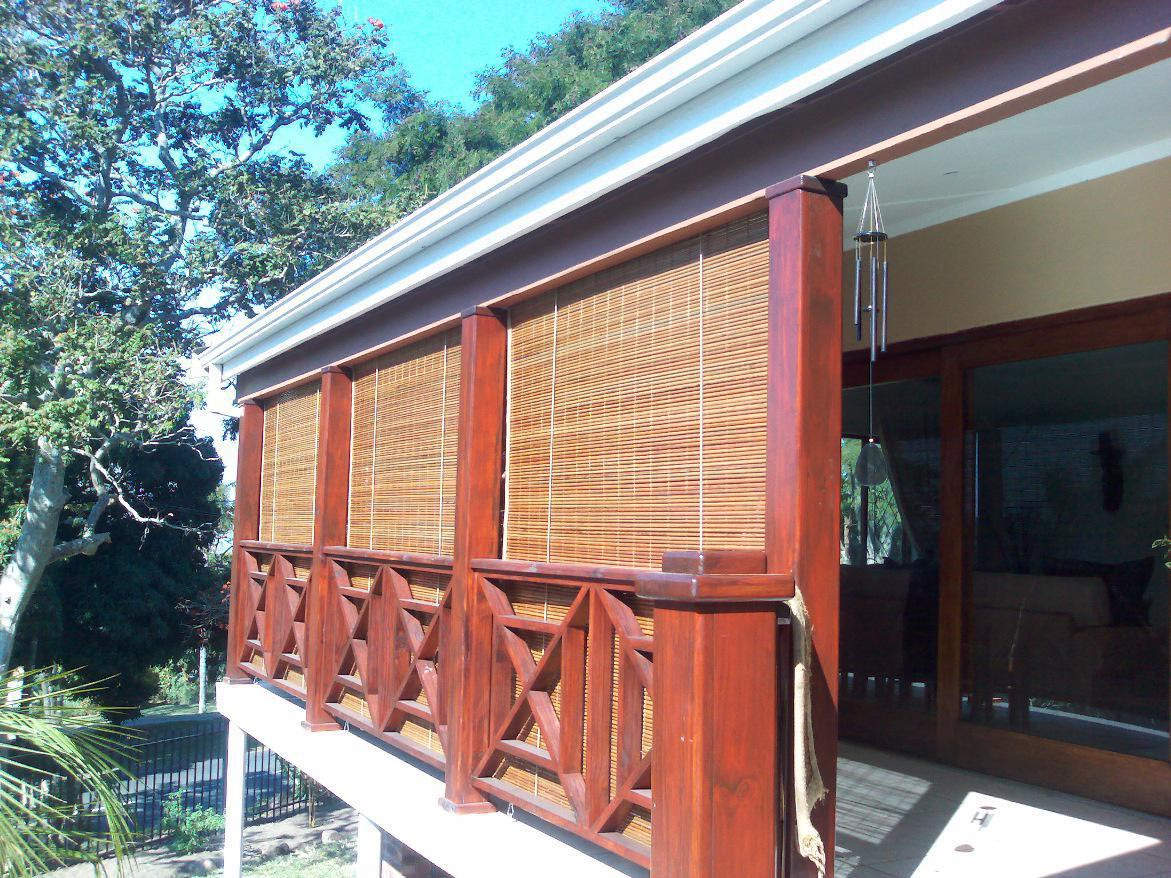 Outdoor roll up porch shades window treatments design ideas for Roll up screens for porches