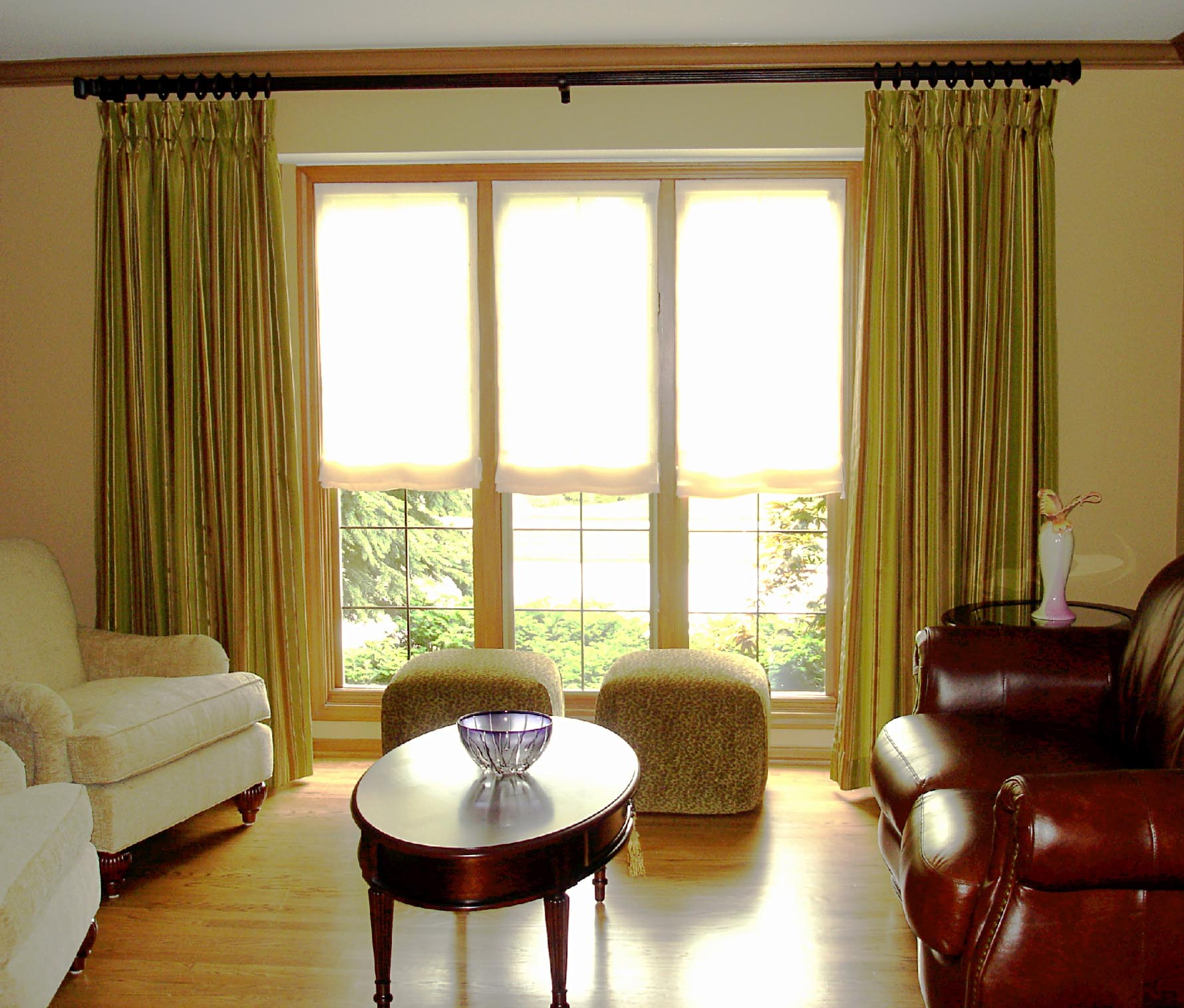 Ready made sheer roman shades window treatments design ideas for Living room window treatments