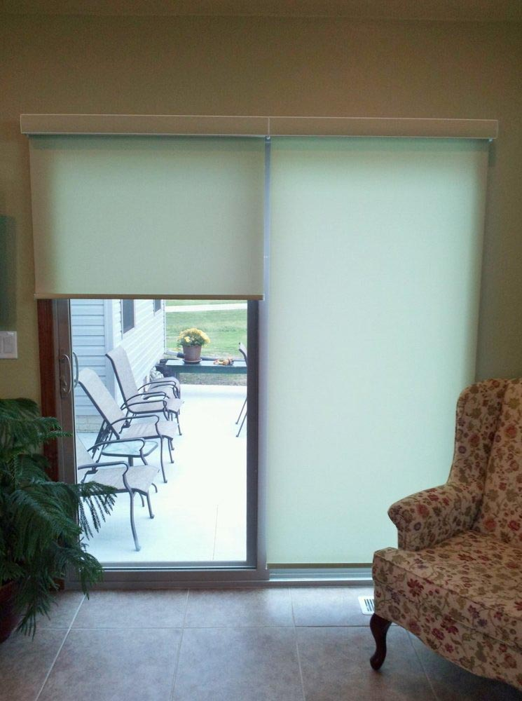 Roller shades for sliding patio doors window treatments for Door window shades blinds